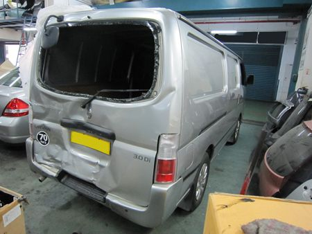 Nissan_Urvan_Be4_Repair